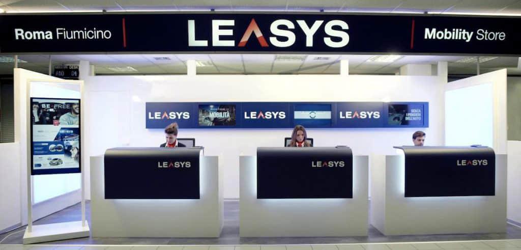 Stand Leasys Mobility Store Roma Fiumicino
